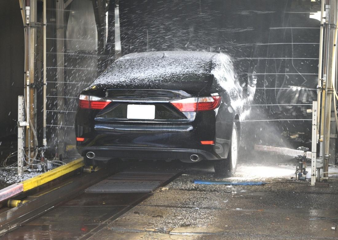 Lavaggio auto antigraffio